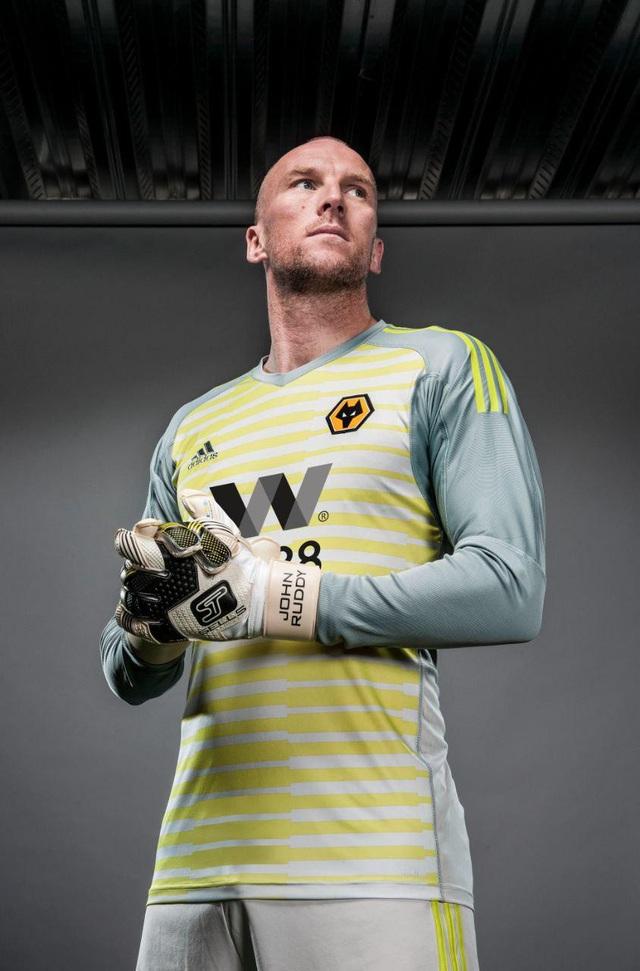 Wolves ký hợp đồng tài trợ lớn nhất lịch sử CLB - 2