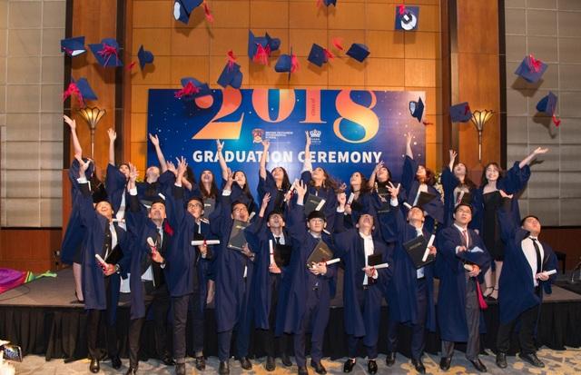 Lễ tốt nghiệp đầu tiên của trường Quốc tế Anh Việt Hà Nội - BVIS Hà Nội - 3