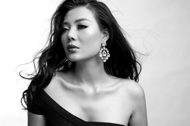 Tuy nhiên cô không lựa chọn con đường phát triển sự nghiệp của một người đẹp như cách mà nhiều Hoa hậu, Á hậu giờ đây là mải mê dự sự kiện mà cô tập trung theo đuổi đam mê với sự nghiệp diễn xuất.