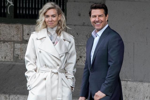 """Nữ diễn viên người Anh Vanessa Kirby và tài tử Hollywood - Tom Cruise trên phim trường """"Mission: Impossible - Fallout"""""""