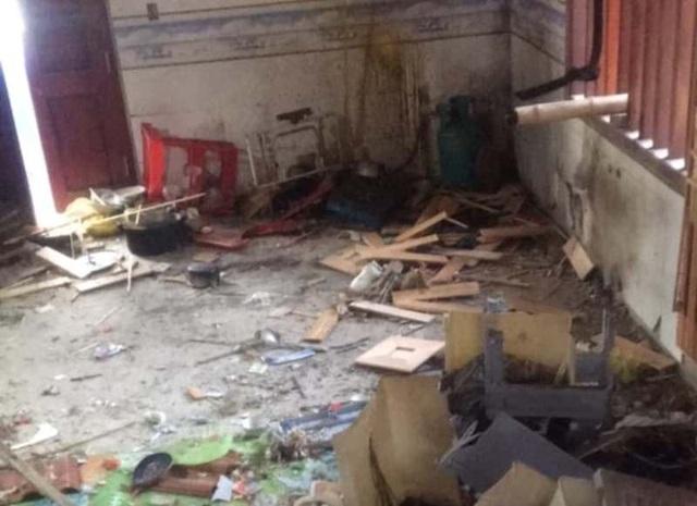 Nhiều tài sản trong nhà bị hư hỏng, vỡ nát