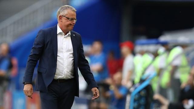 HLV Andersson tỏ ra bất lực trước việc đội nhà bế tắc trước tuyển Anh