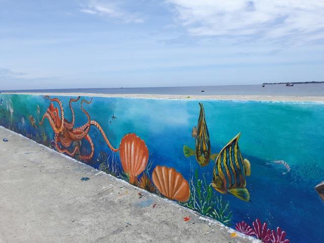Quảng Ngãi: Lý Sơn có tuyến đường bích họa ven biển - 2
