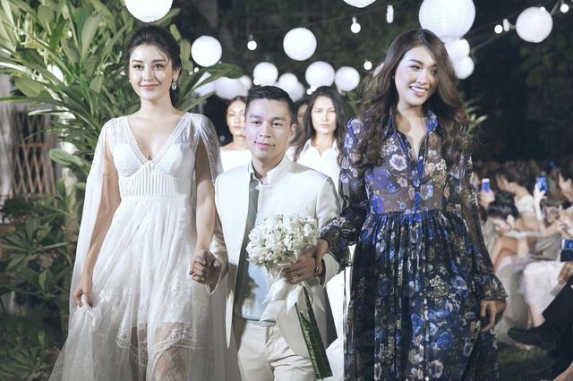 Cùng với Huyền My ở vai trò vedette, NTK Adrian Anh Tuấn chọn Lệ Hằng ở vai trò first face.