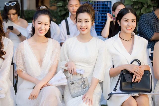 Hoa hậu Thuỳ Linh, Mỹ Linh, Ngọc Hân cùng đọ sắc.