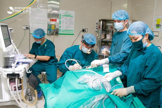 Theo bác sĩ Dương Văn Tiến – Bệnh viện Thu Cúc phương pháp phẫu thuật amidan bằng dao plasma được xem là kỹ thuật tiên tiến, hiệu quả cao, được giới chuyên môn ưu tiên áp dụng