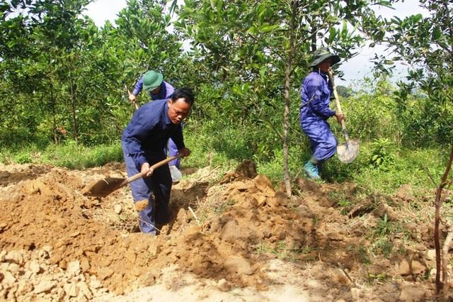 Trung úy Hồ Văn Trọng, người con của Quảng Trị đã có thâm niên nhiều năm trong việc tìm kiếm hài cốt liệt sĩ