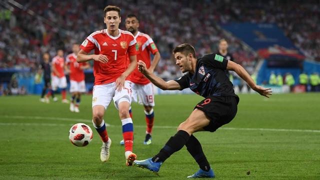 Croatia dồn lên tấn công ở đầu hiệp 2