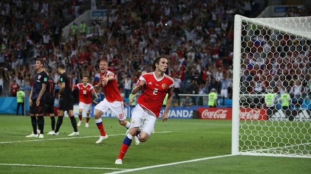 Fernandes ghi bàn thắng quý giá cho Nga