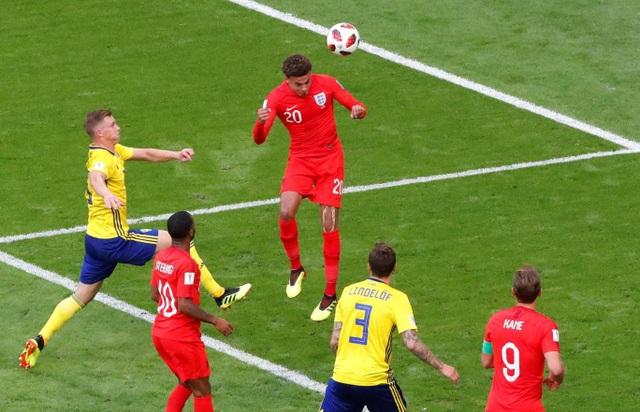 Tới phút 60, Alli đánh đầu nhân đôi cách biệt cho tuyển Anh