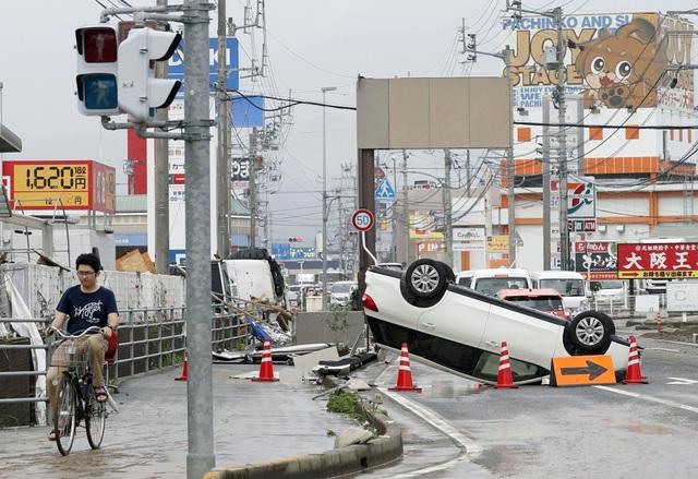 Đài NHK (Nhật Bản) cho biết 58 người hiện vẫn mất tích và 4.300 người được lệnh sơ tán khẩn cấp tại 23 tỉnh của Nhật Bản.