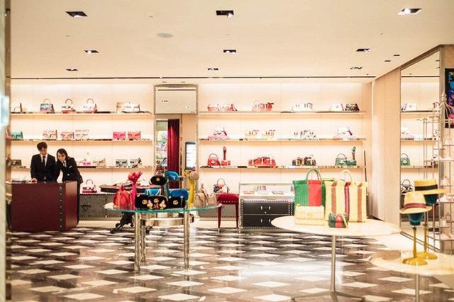 Cửa hàng Gucci ở Galleria thường thu hút rất nhiều khách hàng giàu có.