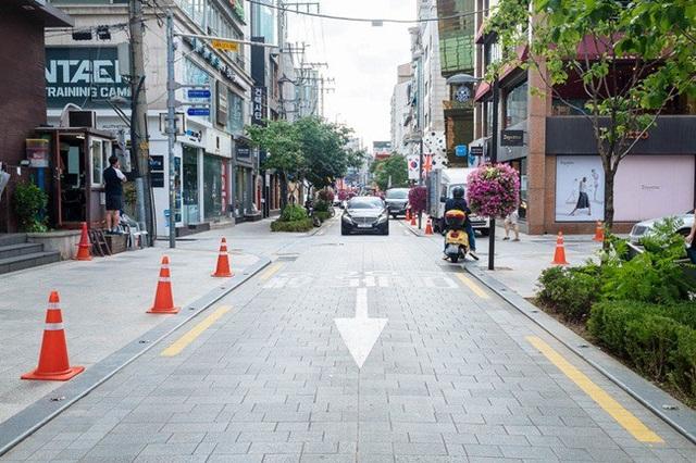 Ở Gangnam, bất động sản không chỉ là tiền bạc mà việc sở hữu một khu đất ở đây là biểu tượng cho sự giàu có.