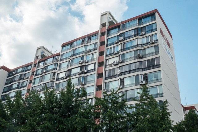 Mặc dù, mức giá bất động sản đắt đỏ nhưng nhiều căn hộ nhìn kiến trúc cũng bình thường.