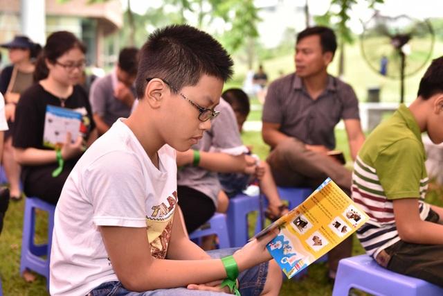 Gần 400 học sinh say mê khám phá văn hóa dân tộc qua công nghệ thực tế ảo - 3