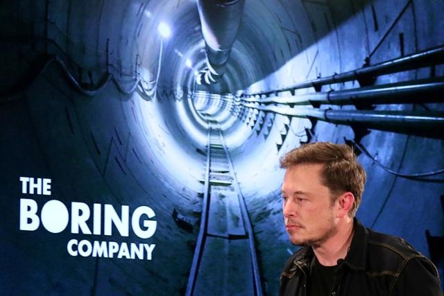 Tỷ phú Elon Musk từng đề xuất nhiều ý tưởng và cử các kỹ sư tới Thái Lan hỗ trợ chiến dịch giải cứu đội bóng bị mắc kẹt. (Ảnh: Reuters)