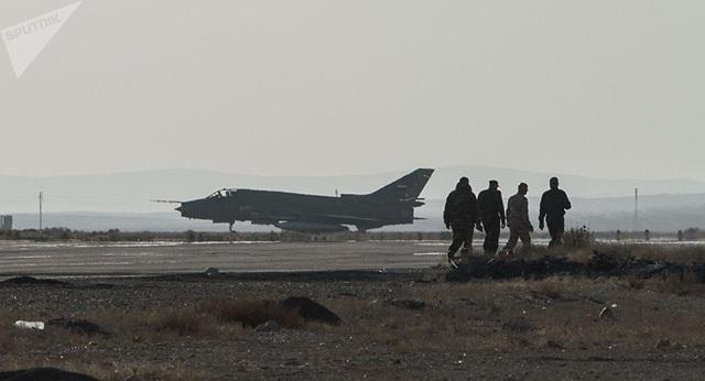 Một máy bay Su-22 tại căn cứ T4 của Syria (Ảnh: Sputnik)