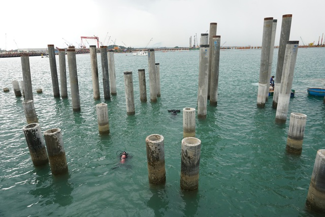 Tàu cổ được phát hiện nằm ở độ sâu 9 m trong quá trình thi công cảng chuyên dùng