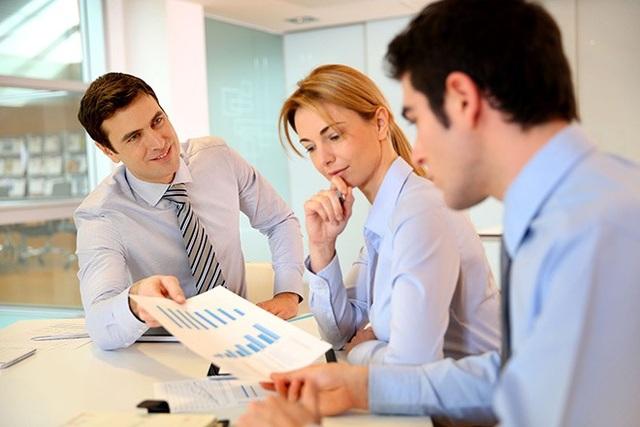 Bạn có thể họ những cách bạn có thể nâng cao giá trị đóng góp cho công ty (Ảnh minh họa)