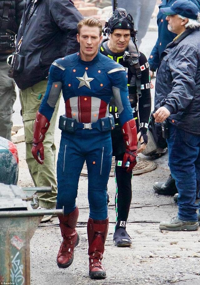 Vai diễn Captain America do nam diễn viên Chris Evans (36 tuổi) đảm nhiệm.