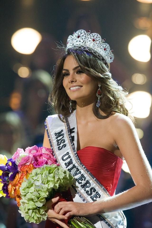 Hoa hậu Mexico - Jimena Navarrete - đoạt vương miện Hoa hậu Hoàn vũ 2010
