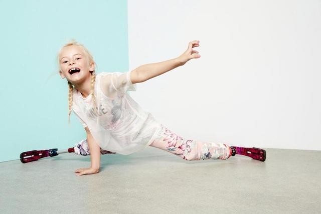 Hình ảnh Daisy trong vai trò người mẫu nhí.