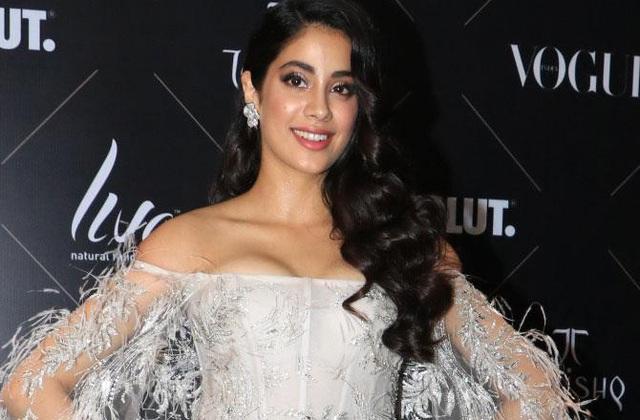 Janhvi Kapoor đang nối nghiệp mẹ làm diễn viên