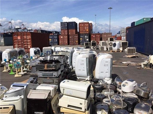 Lô hàng điện lạnh đã qua sử dụng thuộc danh mục cấm nhập khẩu trị giá hơn 13 tỷ đồng bị phát hiện.