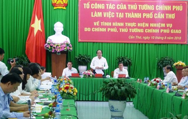 Bộ trưởng - Chủ nhiệm Văn phòng Chính phủ Mai Tiến Dũng chủ trì cuộc kiểm tra tại TP Cần Thơ