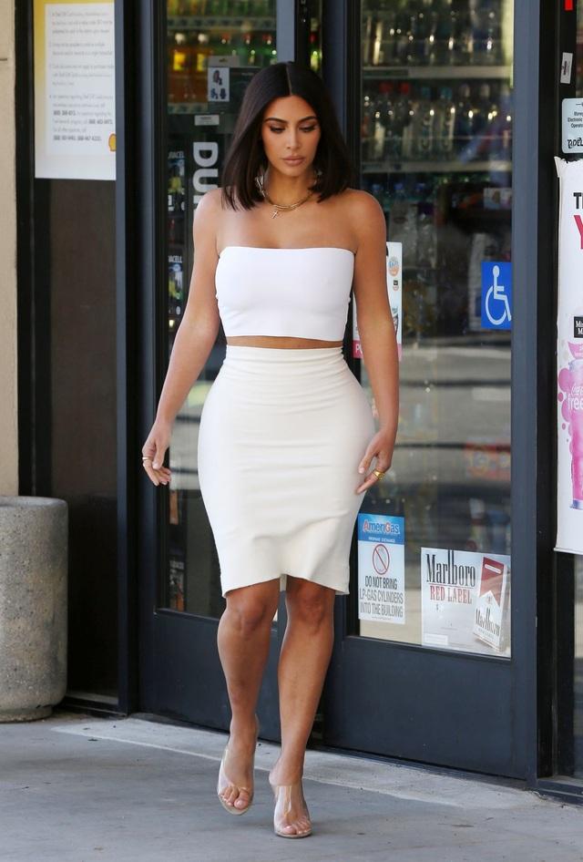 Kim Kardashian xuống phố