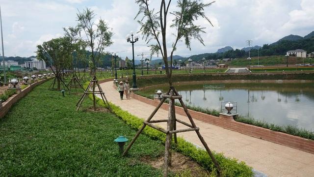 Trồng cây xanh ở dự án này đang được tỉnh Sơn La huy động các tỉnh bạn ủng hộ.