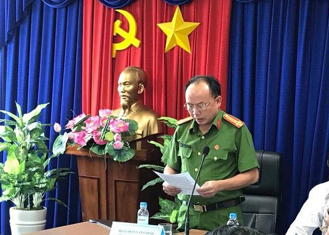 Đại tá Trần Văn Chính, Phó giám đốc, Thủ trưởng cơ quan CSĐT Công an tỉnh Bình Dương thông tin vụ bắt tạm giam nguyên Bí thư thị xã Bến Cát Nguyễn Hồng Khanh.