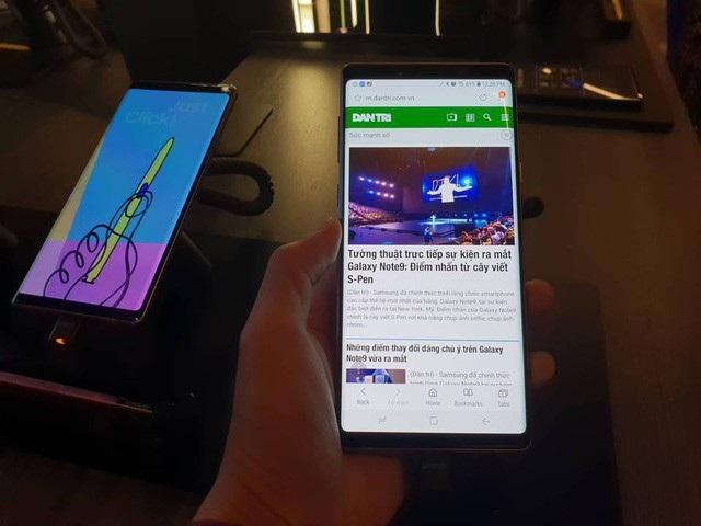 Galaxy Note9 là phiên bản lớn nhất trong dòng điện thoại Note với màn hình 6,4 inch.