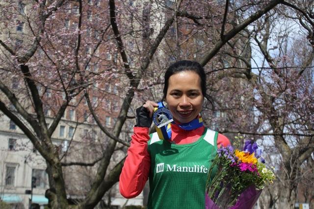 Trang Hạ hoàn tất Boston Marathon 2018 tại Mỹ trước khi bắt đầu luyện tập cho Manulife DNIM 2018 tại Đà Nẵng