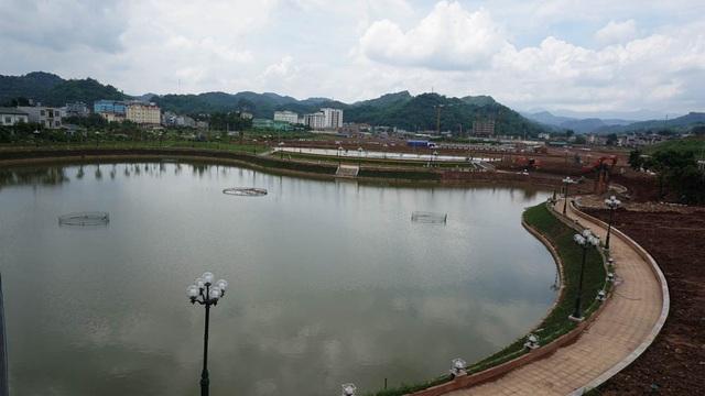 Khu Trung tâm hành chính, quảng trường, Tượng đài Bác Hồ đang triển khai xây dựng tại TP Sơn La (tỉnh Sơn La).