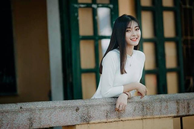 """Á khôi Tài sắc Việt Nam 2018: """"Hành động âu yếm nơi công cộng là không chấp nhận được"""" - 4"""
