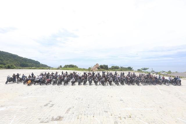 Theo đúng lịch trình, MC Anh Tuấn sẽ tiếp tục ở lại Đà Nẵng để tham dự sự kiện gala 3 miền của câu lạc bộ xe. Sau đó, anh và các anh em trong đoàn sẽ lên đường trở về Hà Nội.