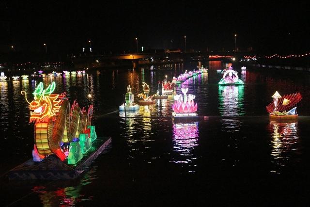 Các sông Cần Thơ ngập ánh đèn