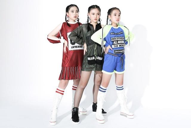 Ngắm dàn mẫu Việt nhí chuẩn bị trình diễn tại Ngôi sao tài năng quốc tế - 12