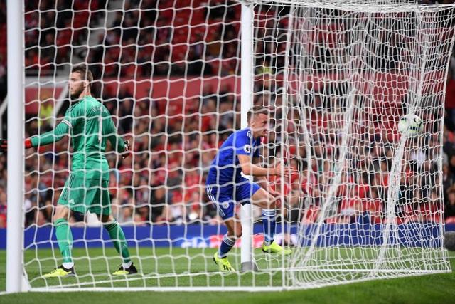 Vardy mang lại hy vọng nhỏ nhoi cho Leicester