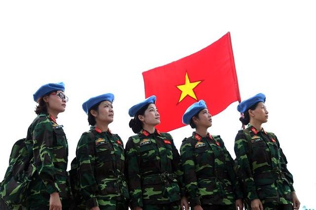 Các nữ quân nhân Việt Nam tham gia lực lượng gìn giữ hoà bình của Liên Hơp Quốc (ảnh: QĐND)