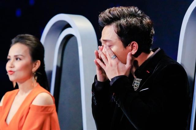 """Trấn Thành liên tục gạt nước mắt vì """"bản sao"""" danh ca Khánh Ly, Hồ Ngọc Hà - 3"""