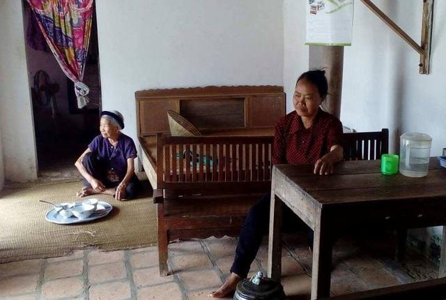 Mẹ ốm đau bệnh tật, bà ngoại già yếu nên việc lo cho Ánh học đại học là rất khó khăn
