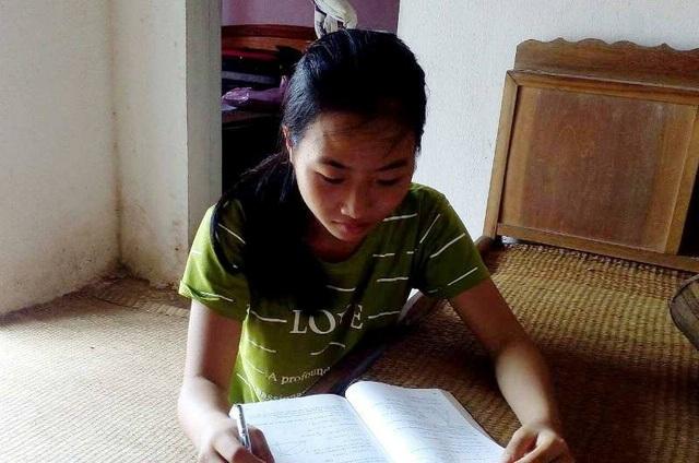 Dù hoàn cảnh gia đình khó khăn, mồ côi bố từ nhỏ nhưng Ánh rất nỗ lực trong học tập và đạt kết quả tốt