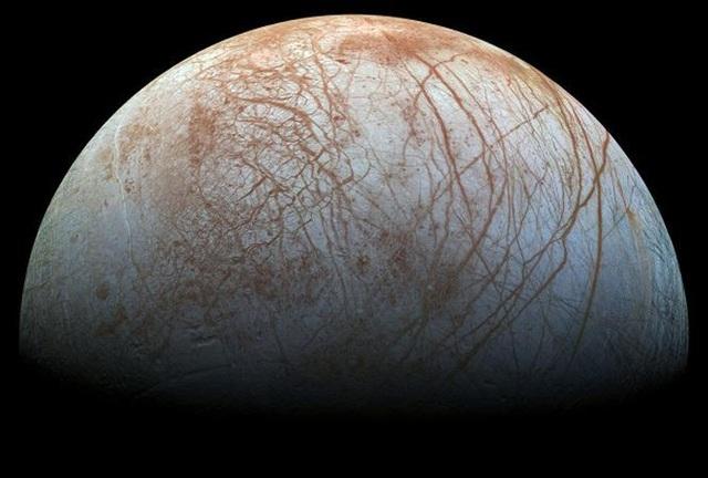 Từ trường của sao Mộc lớn gấp hàng nghìn lần Trái đất và có thể tạo ra sóng hủy diệt khủng khiếp.