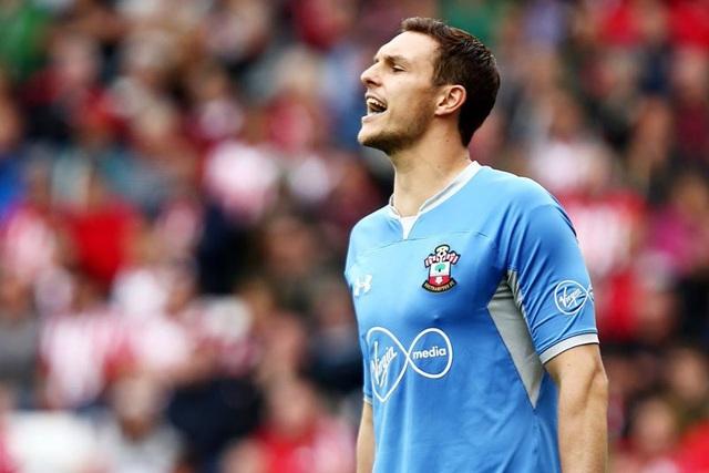 Thủ thành Alex McCarthy tỏa sáng trong trận đấu với Burnley