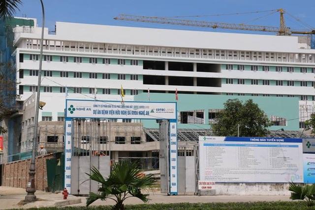 Dự án Bệnh viện Hữu nghị đa khoa Nghệ An - Giai đoạn 2 thi công xây dựng sai với nội dung giấy phép được cấp bị xử phạt 40 triệu đồng.