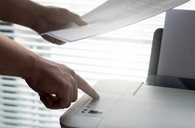 Sử dụng máy fax có thể khiến doanh nghiệp đối mặt nguy cơ bị hacker tấn công.