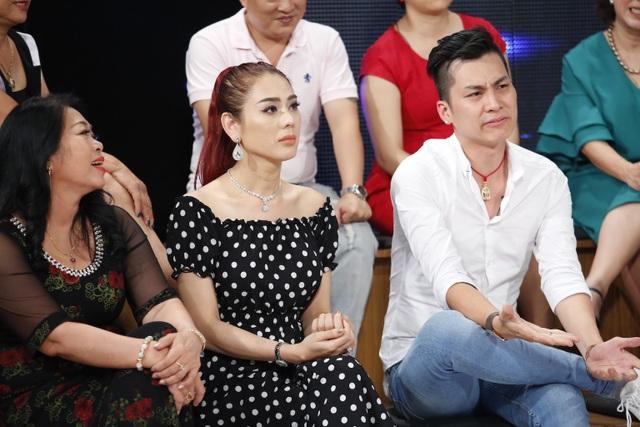 Khánh Chi và mẹ chồng về một phe, liên tục lên án Phi Hùng vì đoán sai.