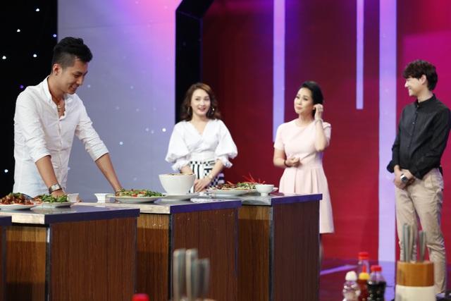 Tuy nhiên Phi Hùng lại đoán sai người thực hiện món ăn.